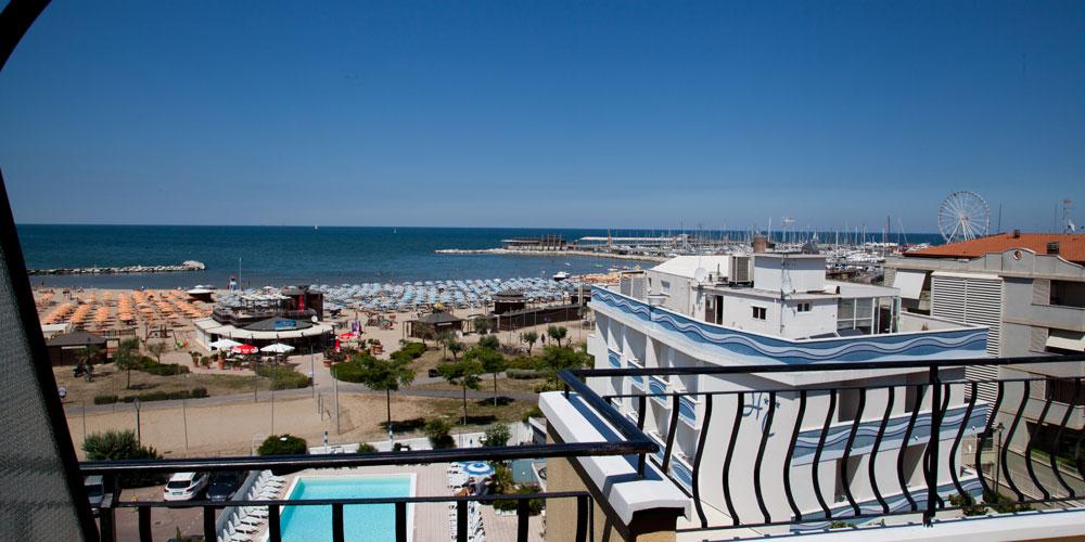 Residence rimini con piscina residence economico rimini - Residence rimini con piscina ...